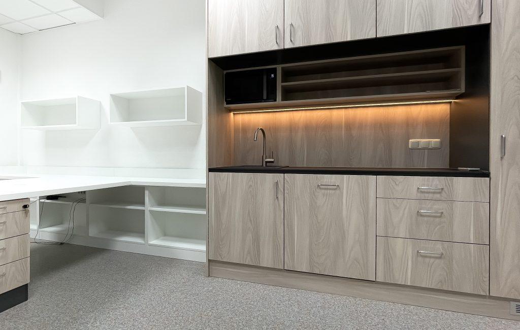 Büro und Küche